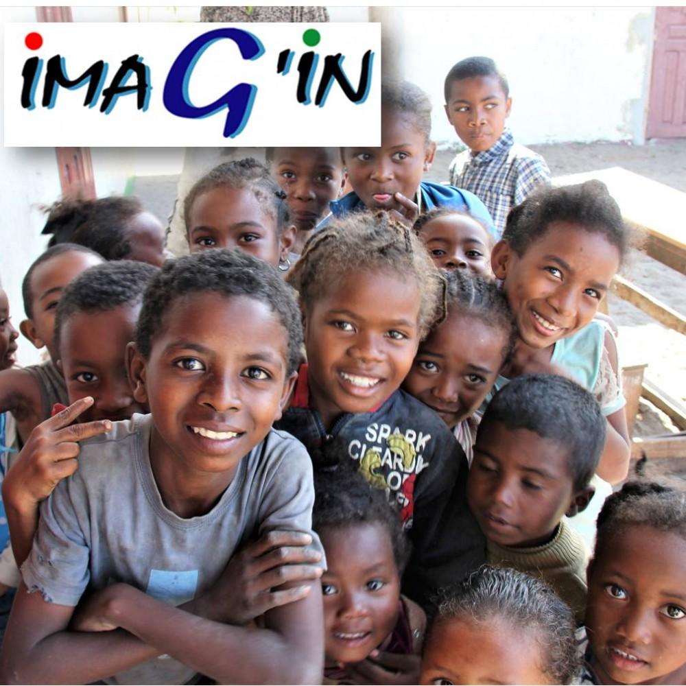Bâtir une école à Mada